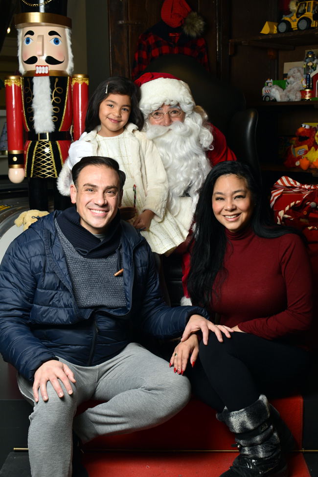Valentina, Noriko and Mickaël Casol with Santa Claus
