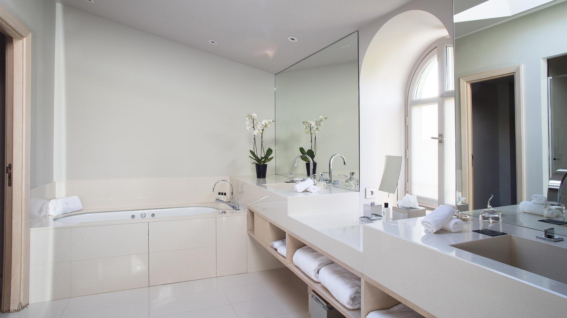 Luxury Apartment for Rent, Paris, 16th Arrondissement, France