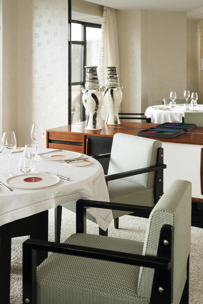 Cheval Blanc Paris, Luxury Hotel France, Suite Eiffel, Casol