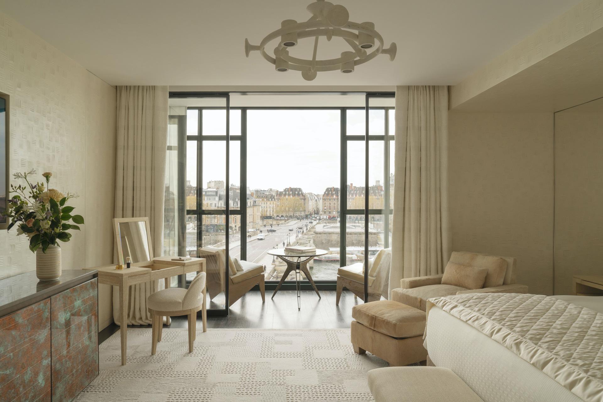 Cheval Blanc Paris, Luxury Hotel France, Suite Notre-Dame, Casol