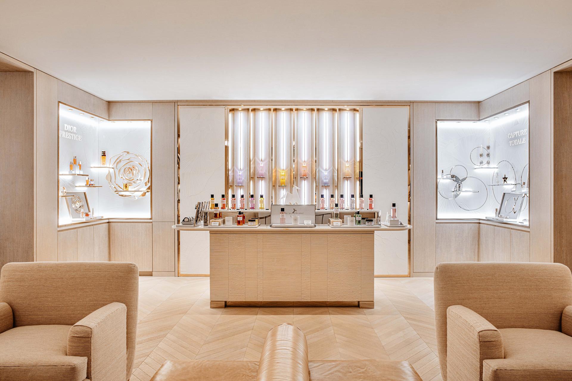 Cheval Blanc Paris, Luxury Hotel France, Casol