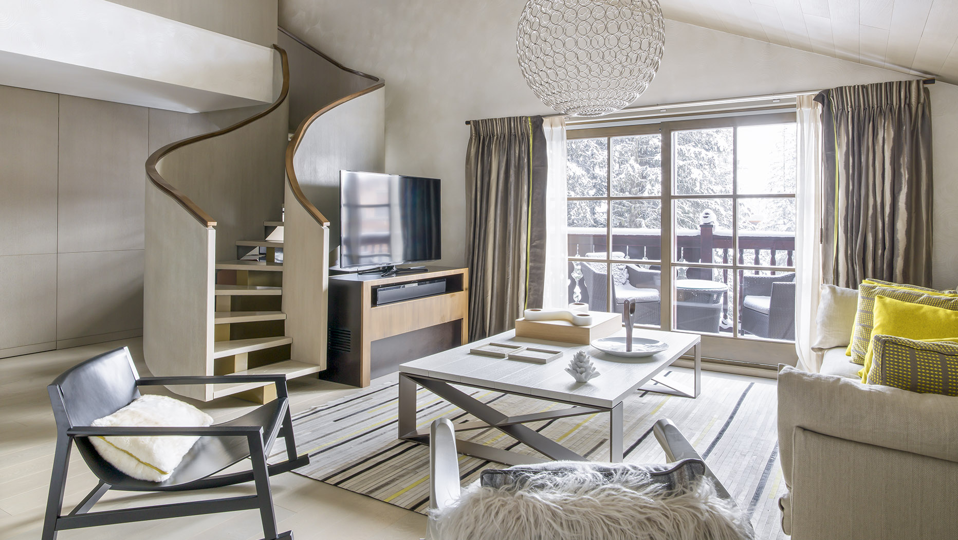 cheval blanc courchevel 1850 french alps casol villas. Black Bedroom Furniture Sets. Home Design Ideas
